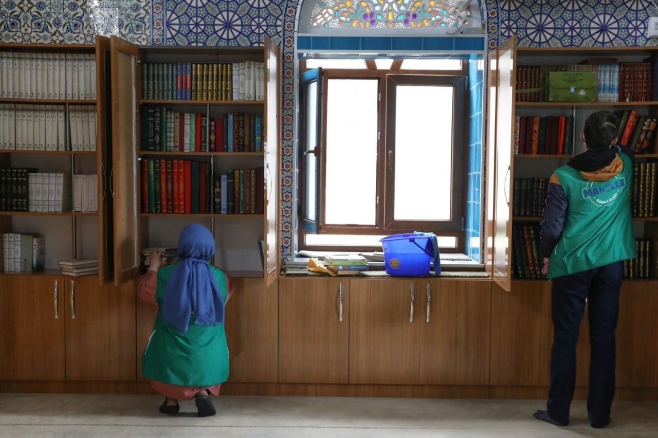 Bursa'da camilerde gönüllü temizlik çalışması gerçekleşti