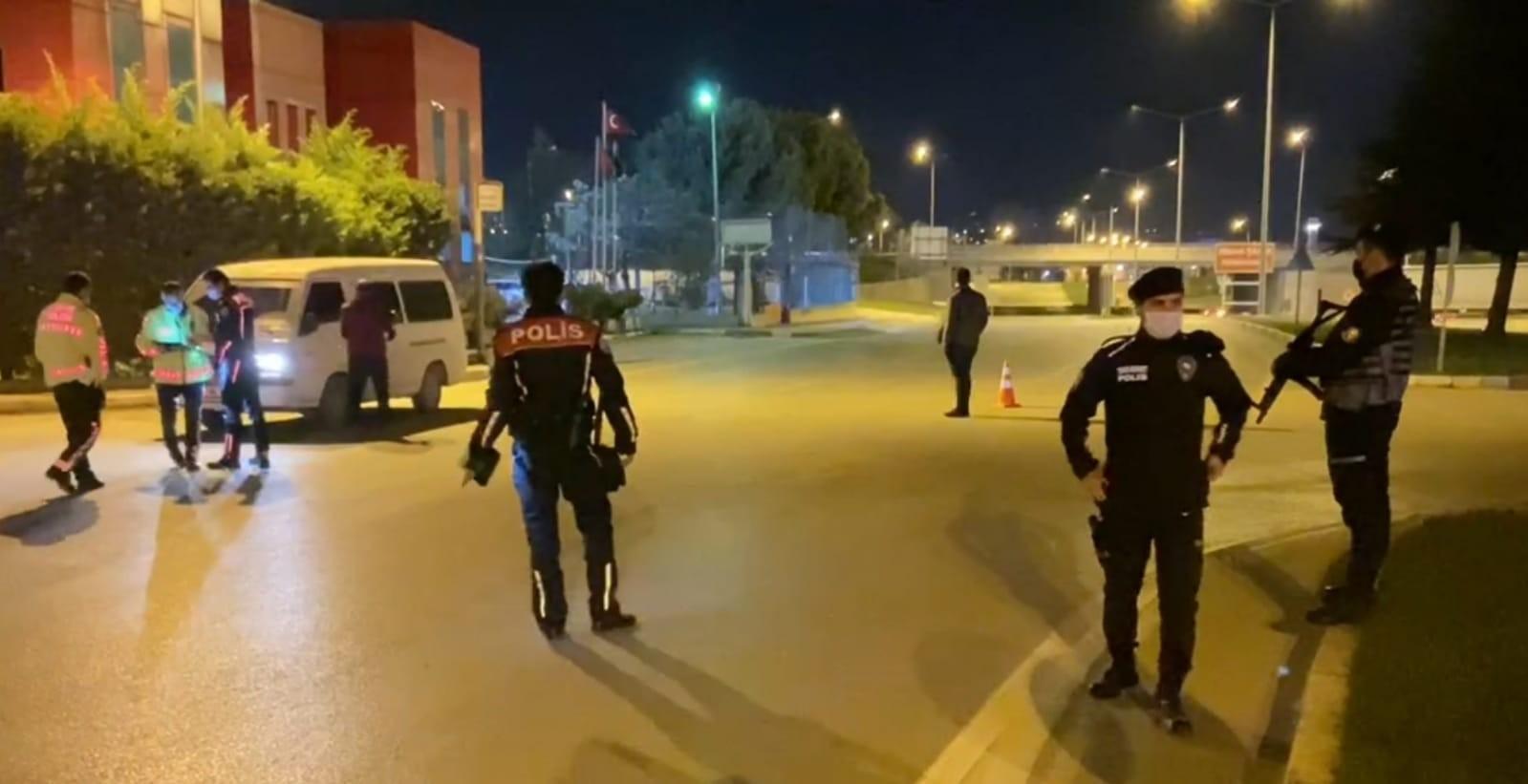 Bursa'nın İnegöl ilçesinde Sokağa çıkma yasağına uymayanlara 61 bin TL ceza kesildi