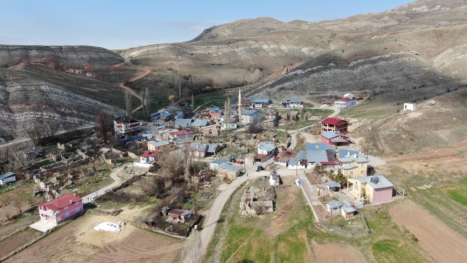 Korona bu köye hiç uğramadı! Covid-19'un giremediği köyde aşılama tamamlandı