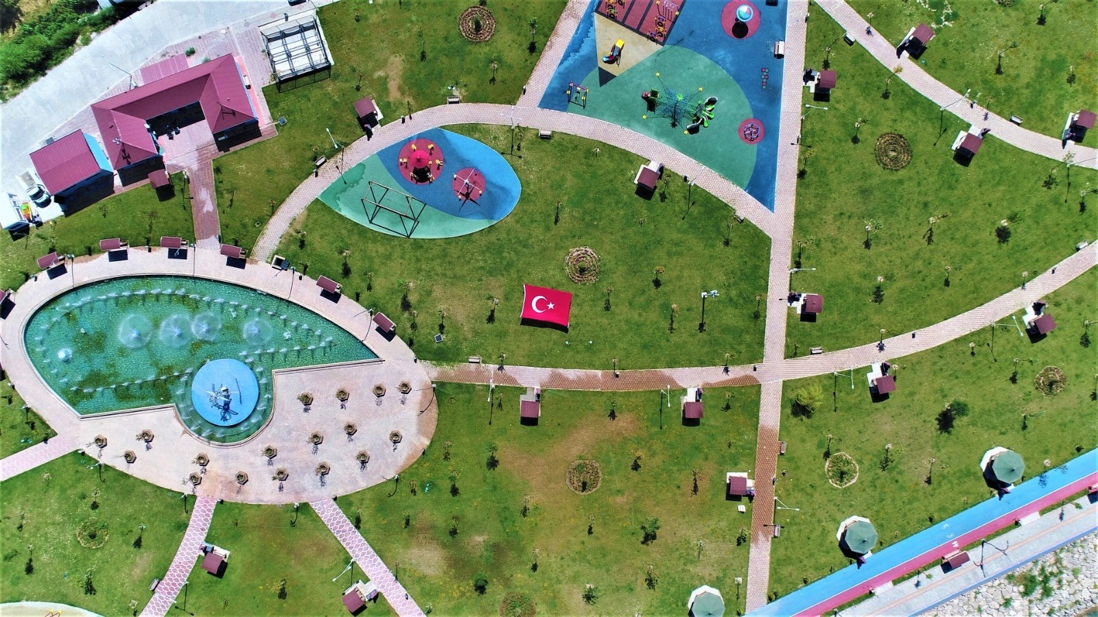 Tuşba Belediyesinin sahil parkının yapımı tamamlandı