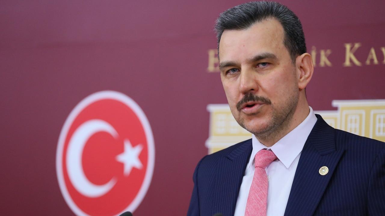 """AK Partili vekil Esgin'den vatandaşlara uyarı  """"Mutant virüse karşı tedbirlere titizlikle uyalım"""""""