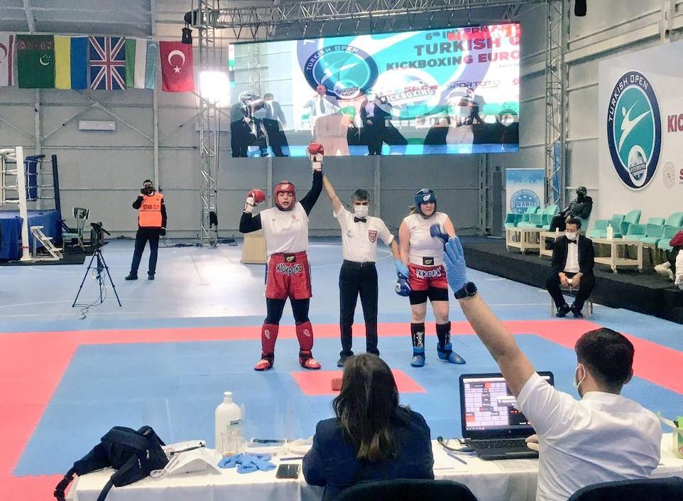 Sivaslı sporcudan Avrupa gururu! Kick Boks'ta Avrupa şampiyonu oldu