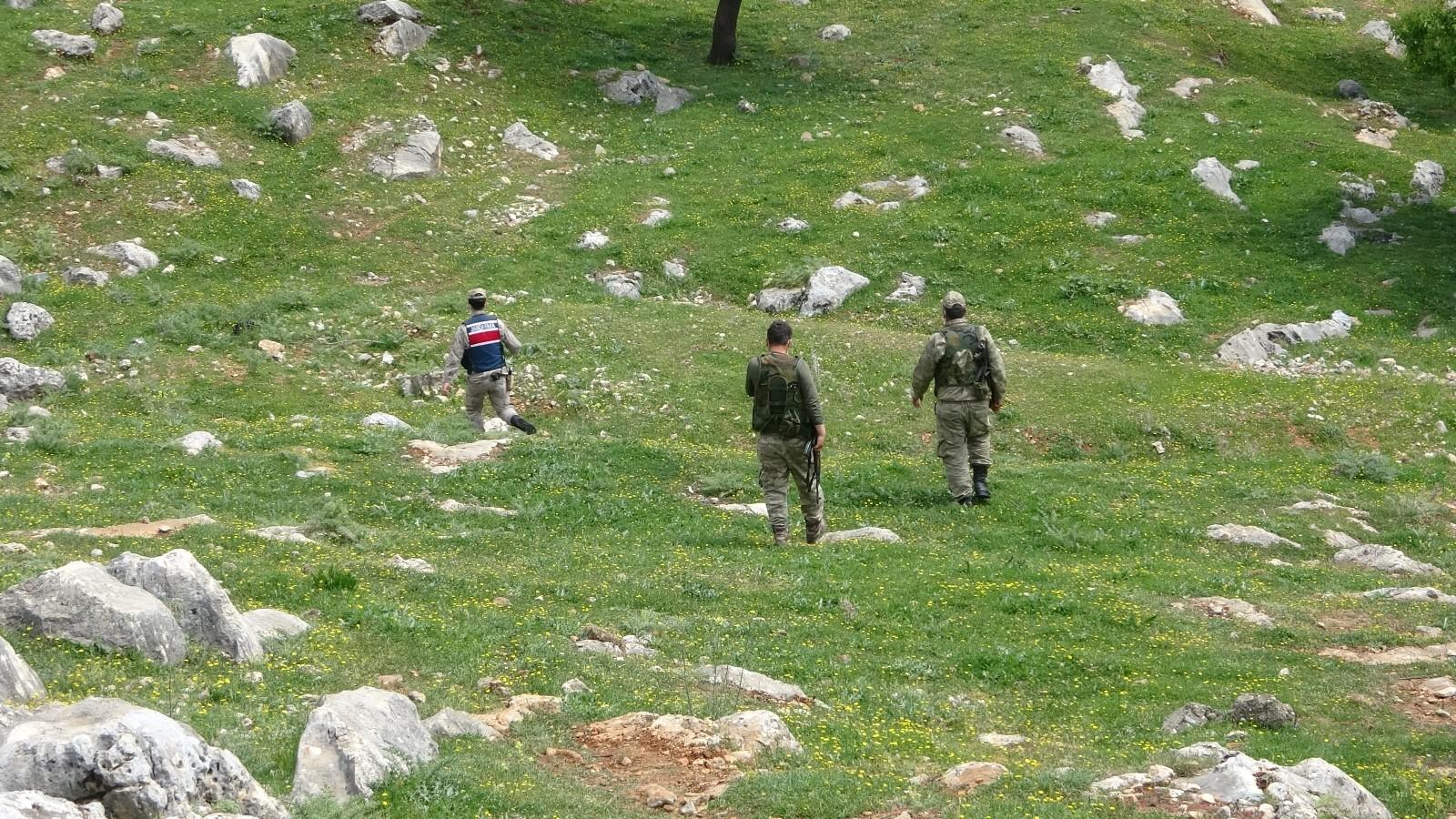 Arama ekipleri seferber oldu! 3 gündür kayıp olan yaşlı kadın dağ taş demeden her yerde aranıyor