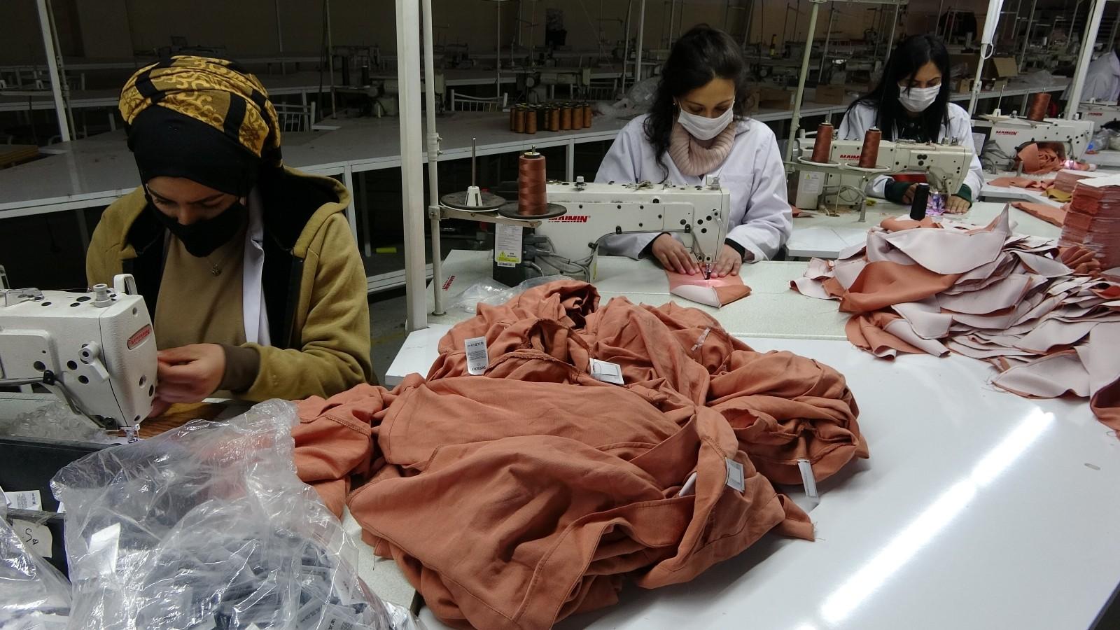 Hakkari Yüksekova'da üretilen tekstil ürünleri 18 ülkeye ihraç ediliyor!