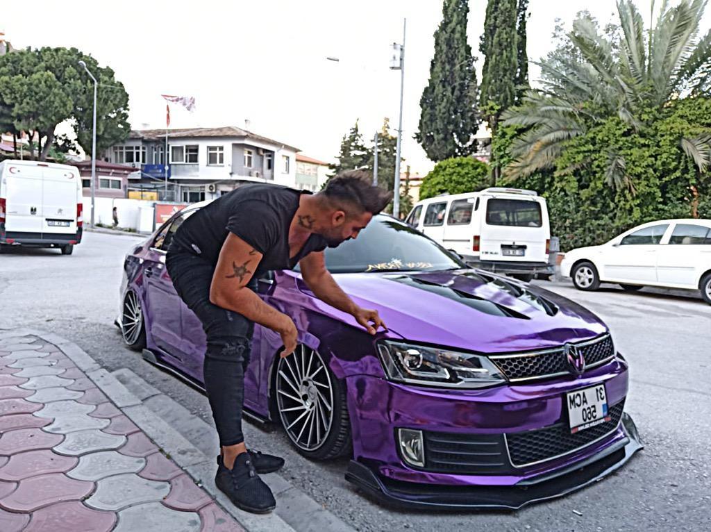 Hobi olarak otomobil modifiyesine başladı, şimdi araçları baştan yaratıyor