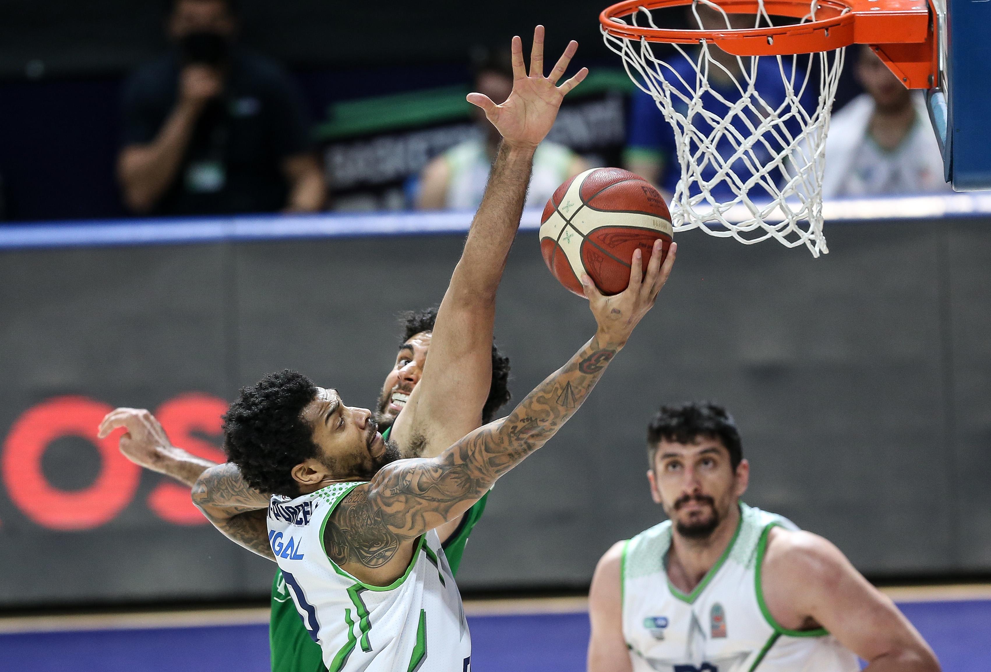 ING Basketbol Süper Ligi 29. haftada TOFAŞ, Darüşşafaka karşılaşması