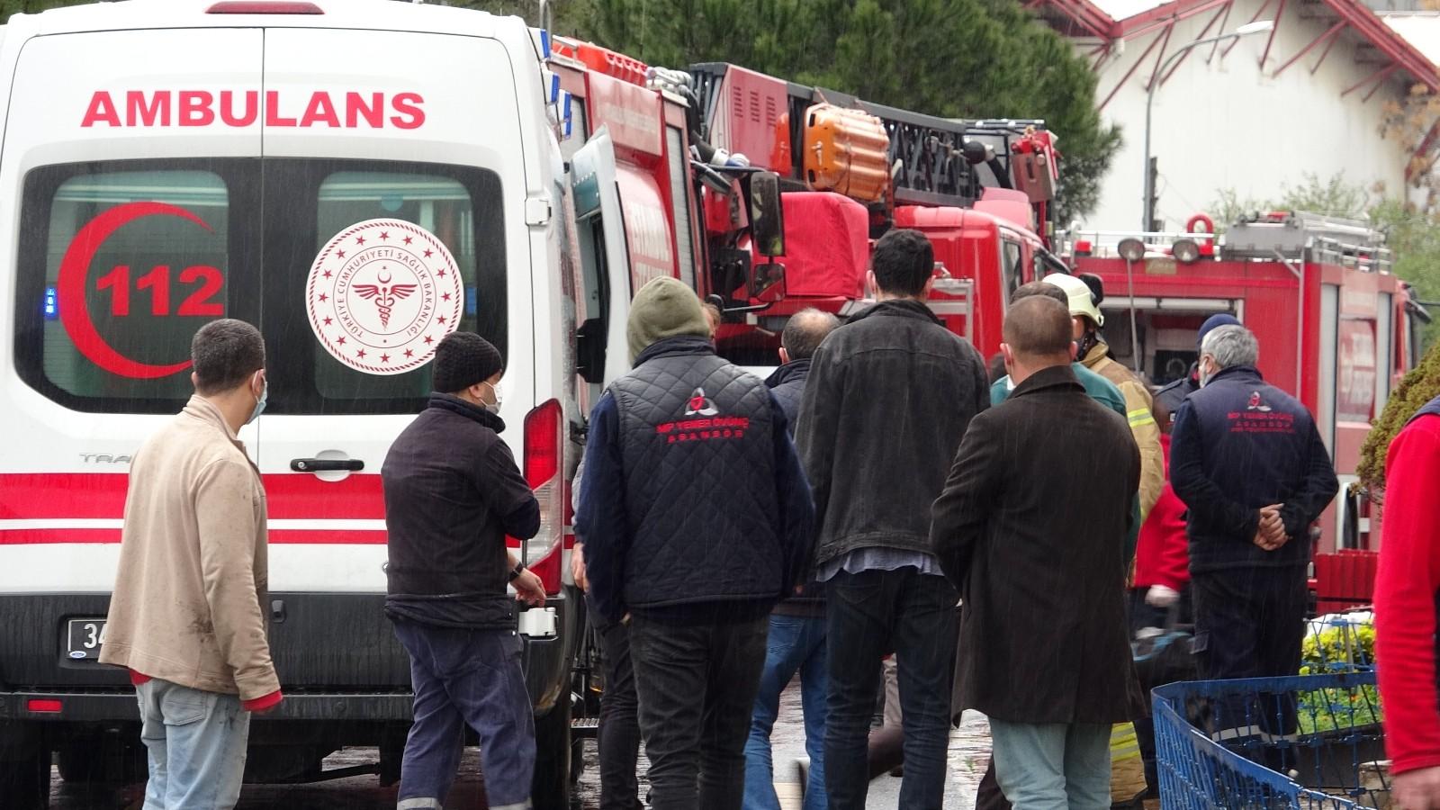 İstanbul'daki bir fabrikada tiner kazanı patlaması sonucu bir işçinin vücudu yandı