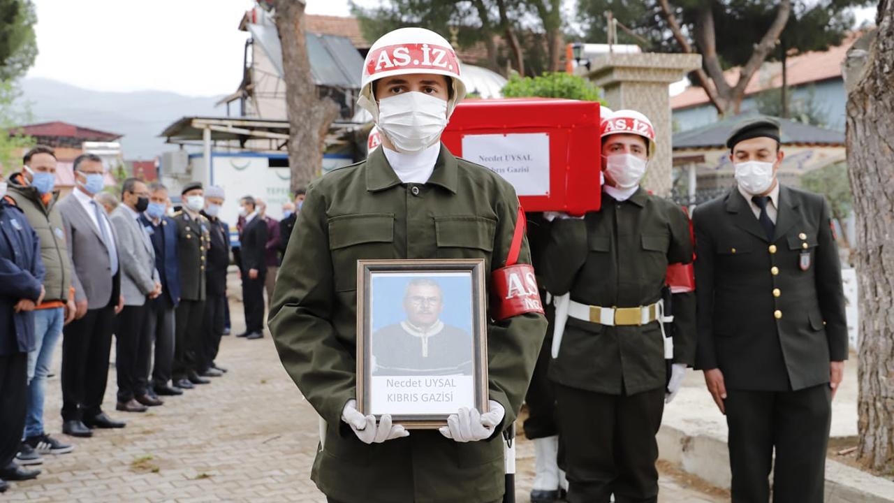 67 yaşındaki Kıbrıs Gazisi için askeri tören! Son yolculuğuna uğurlandı