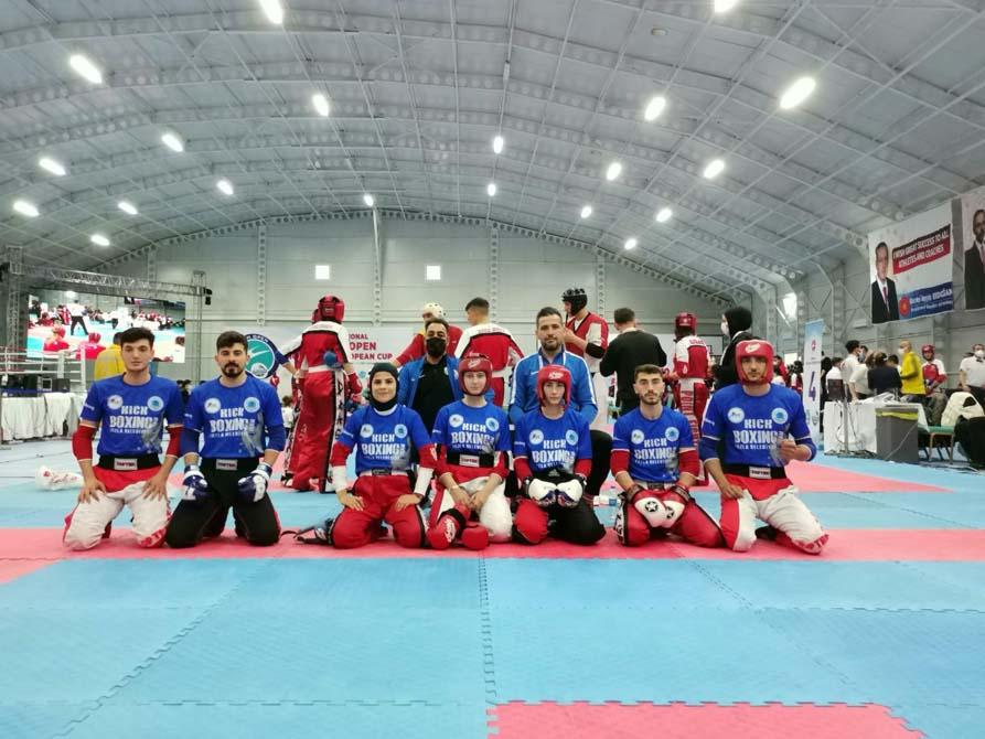 Kick boks da galibiyet sevinci! Gençlik Gücü Spor Kulübü Avrupa şampiyonu oldu