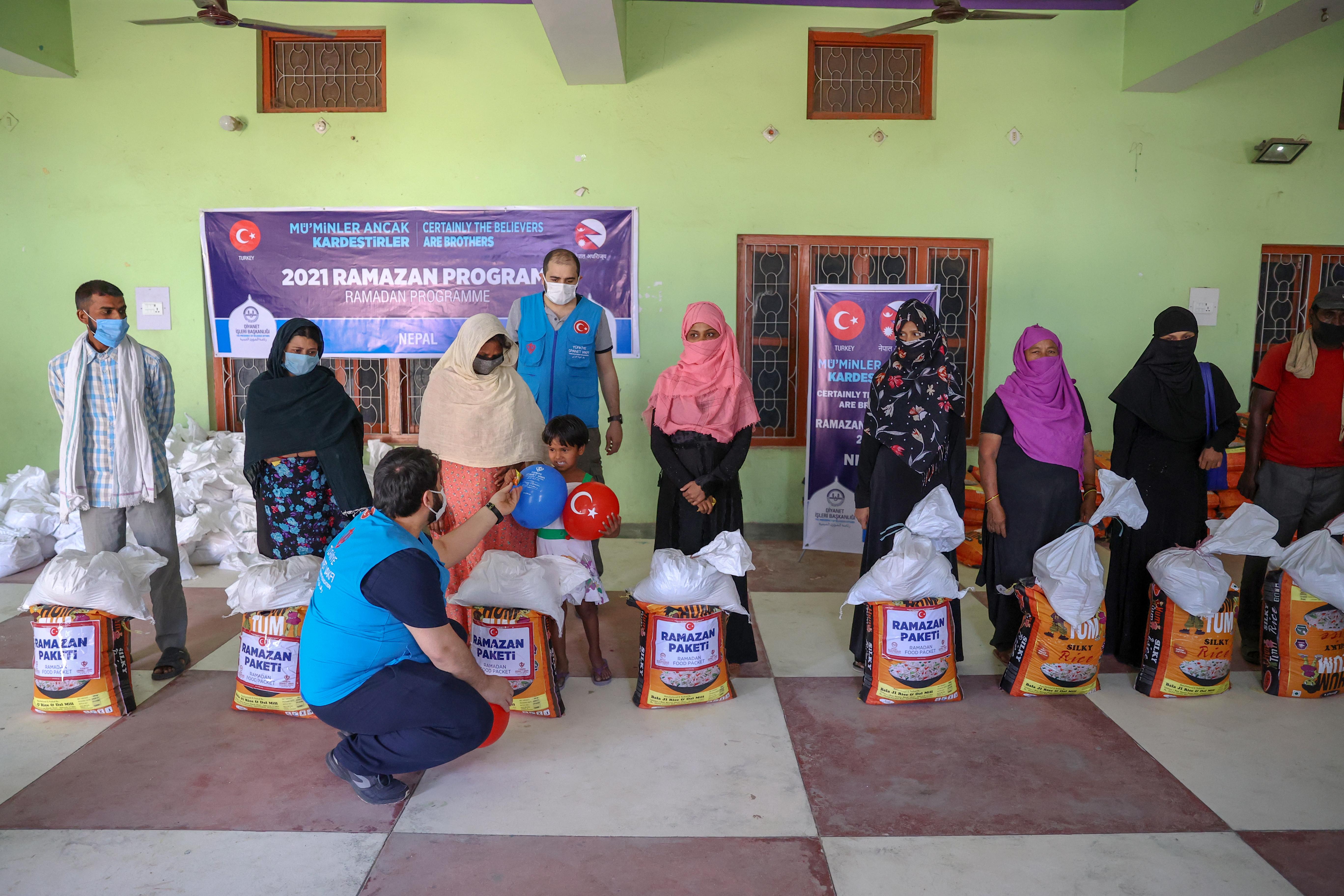 Türkiye'den Nepal'e yardım eli! Yardımlar ihtiyaç sahiplerine ulaştı