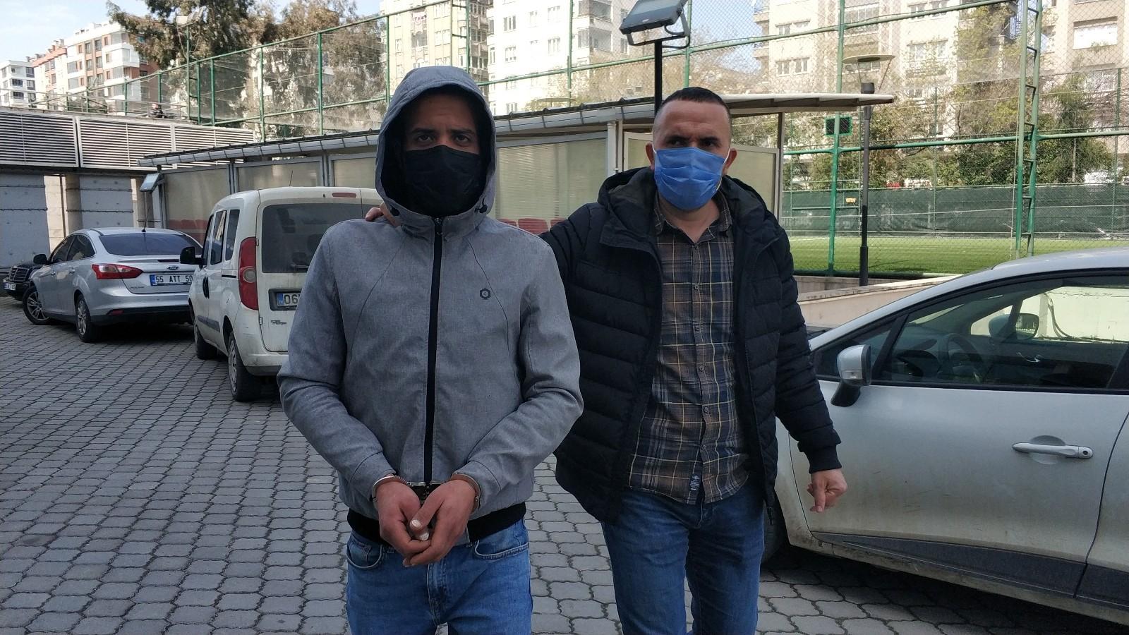 Uyuşturucudan aranan Mısırlı Samsun'da yakalanarak gözaltına alındı
