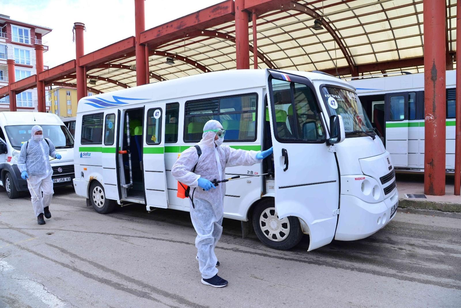 Ankara'da araçlar ücretsiz dezenfekte etme çalışmaları sürüyor
