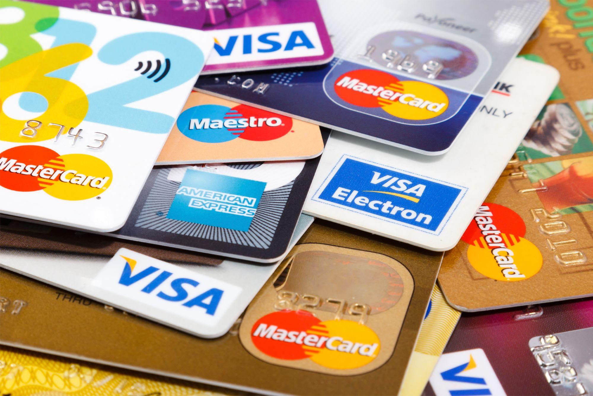 Kredi kartı şifre değiştirme işlemi nasıl yapılır? ATM ve Telefonla kredi kartı şifresi değiştirme