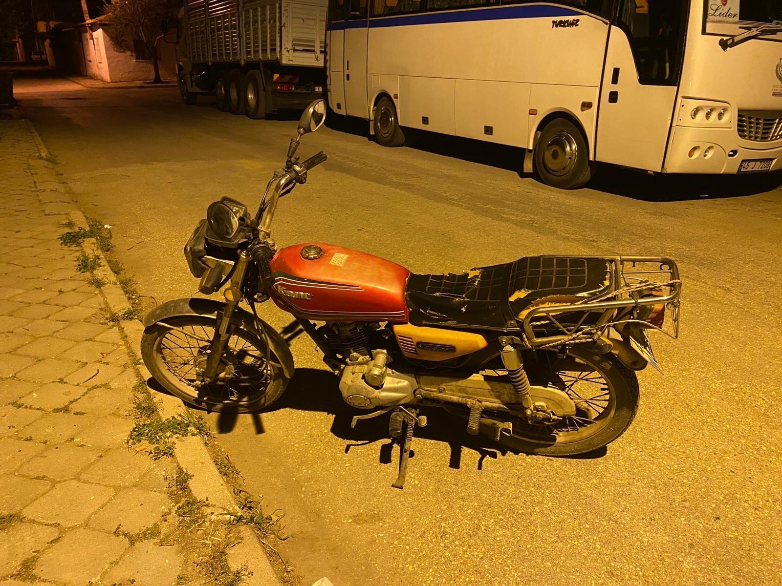 Manisa'da motosiklet hırsızı bekçilere yakalandı