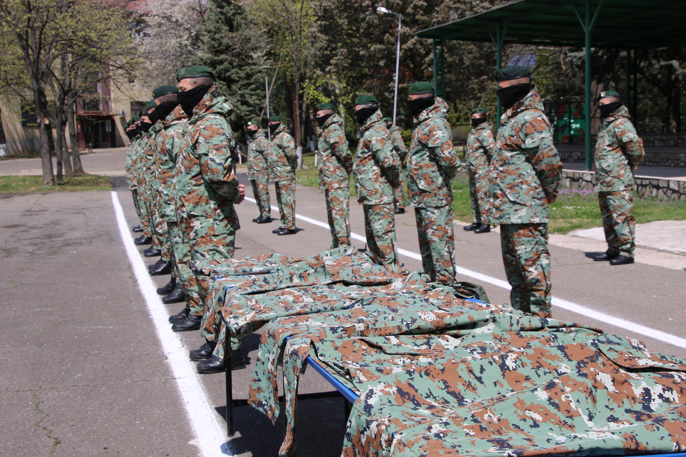 Türkiye, Kuzey Makedonya ordusuna üniforma bağışladı