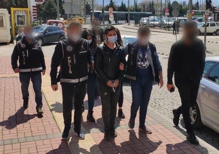 Kocaeli'de yakalanan 3 kalpazan çıkarıldıkları mahkemece tutuklandı