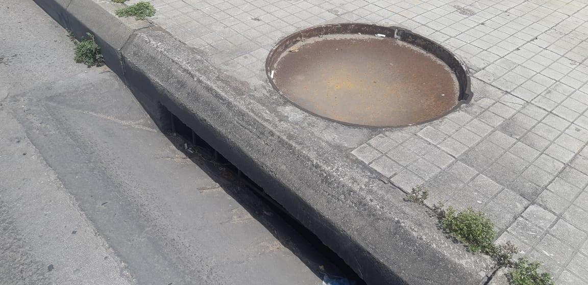 Lübnan'da yoksullukla birlikte hırsızlık da artıyor: Rögar kapakları çalındı!