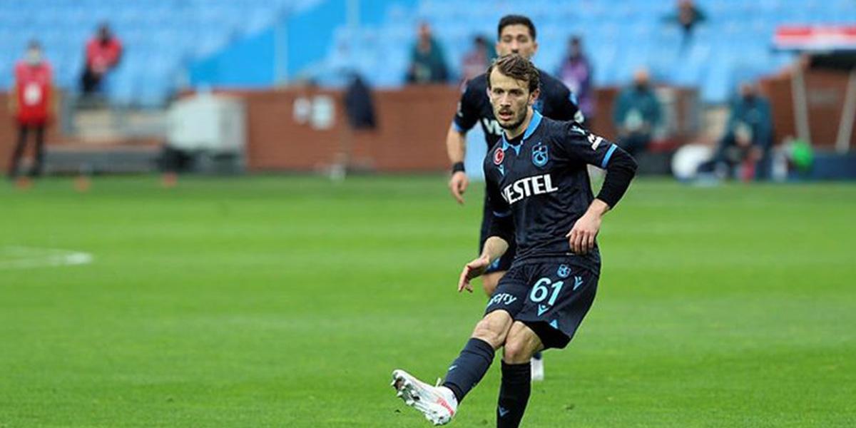 Son dakika | Trabzonspor'da Abdulkadir Parmak, disiplinsiz hareketleri nedeniyle kadro dışı bırakıldı
