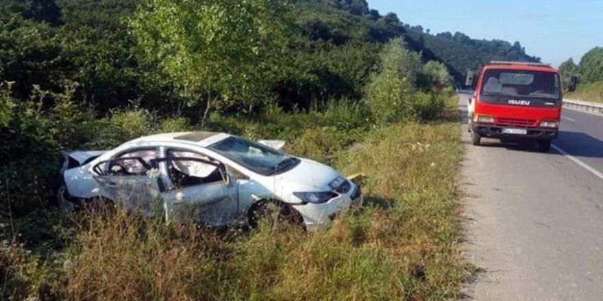 Sakarya'da trafik kazası: 2 ölü, 3 yaralı