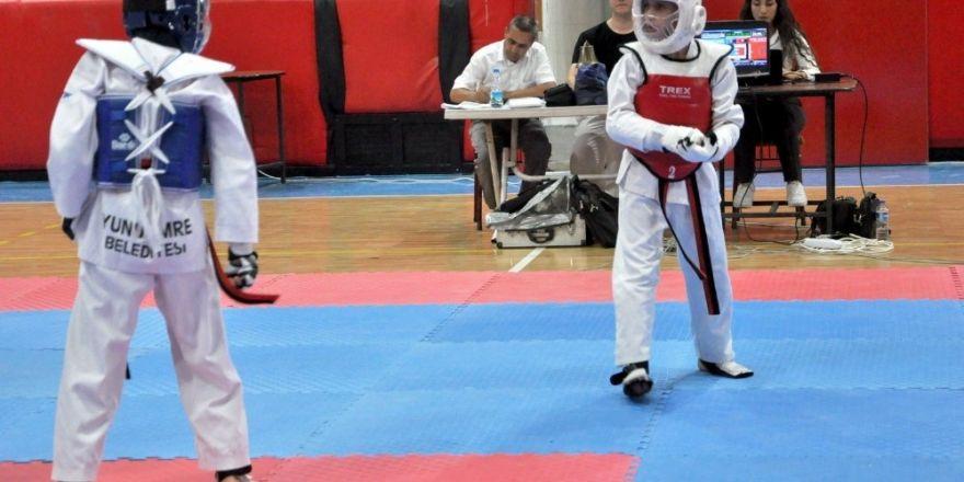Uşak'ta 15 Temmuz Şehitleri için Taekwon-do turnuvası düzenlendi