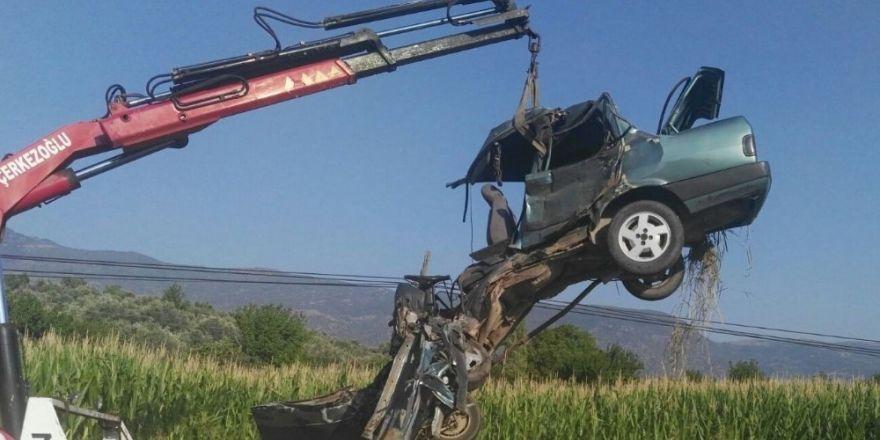 Bozdoğan'da feci kaza; 2 yaralı