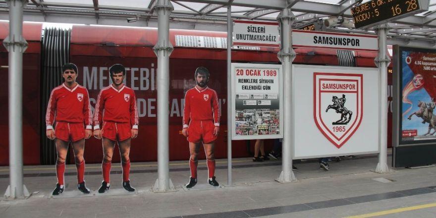 Samsunspor'un kazada ölen futbolcuları durakta ölümsüzleştirildi