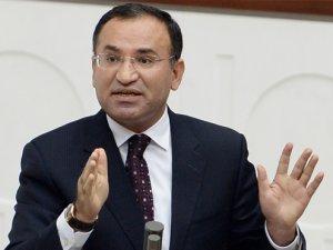 Adalet Bakanı Bekir Bozdağ'ın darbe gecesi tarihe geçen konuşması
