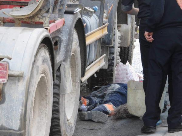 Kartal'da temizlik işçisinin beton mikseri altında feci ölümü