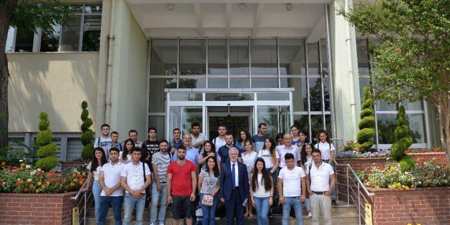 Gürcü tıbbiyeliler staj için Uludağ Üniversitesi'nde
