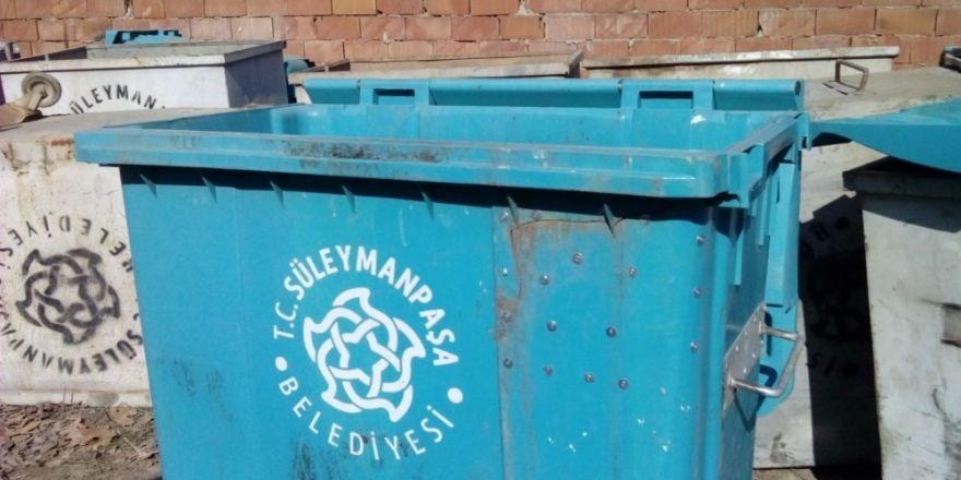Plastik çöp konteynırları bakımdan geçirildi