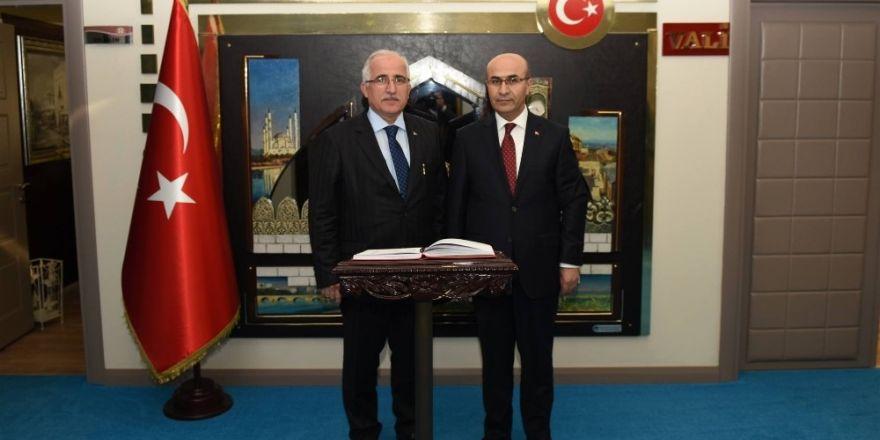 Şanlıurfa Valisi Güngör Azim Tuna'dan Vali Demirtaş'a ziyaret