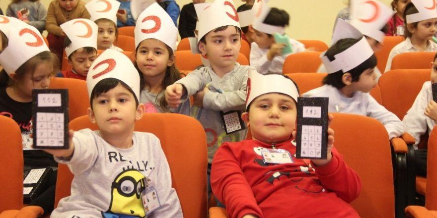 Minik çocuklara ilk yardım kursu