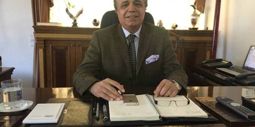 """Uluslararası Üniversiteler Konseyi Başkanı Azizoğlu: """"Referandum ile rejim değil, sistem değiştiriliyor"""""""