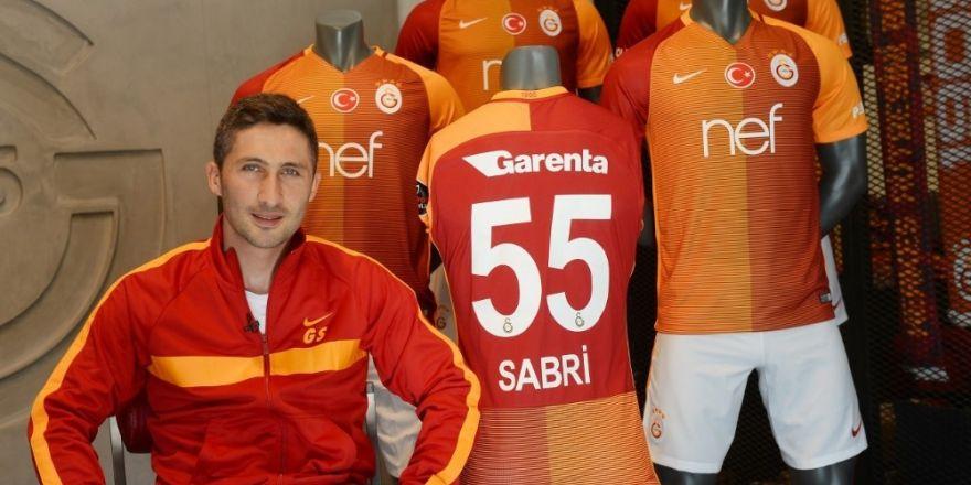 """Sabri Sarıoğlu: """"Galatasaraylı olmanın gururunu taşıyorum"""""""