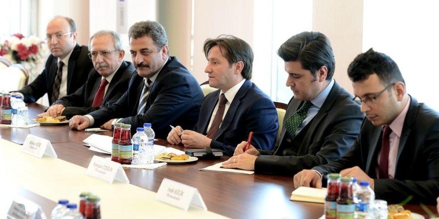 Azerbaycan Eğitim Bakanı Cabbarov, YTB'yi ziyaret etti
