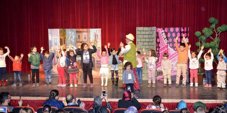 'Hoca Nasreddin' adlı çocuk gösterisinde izleyici rekoru kırıldı
