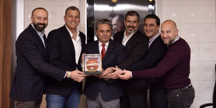 Başkan Uysal, Antalyaspor Basketbol takımı yönetimini ağırladı