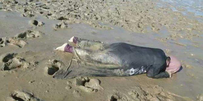 Nehrin kıyısında ölü bulunan Arakanlı kadın yürekleri sızlattı
