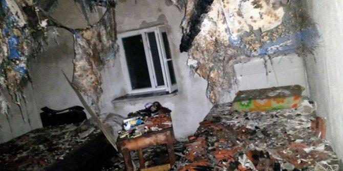 Metruk ev gece yarısı yandı