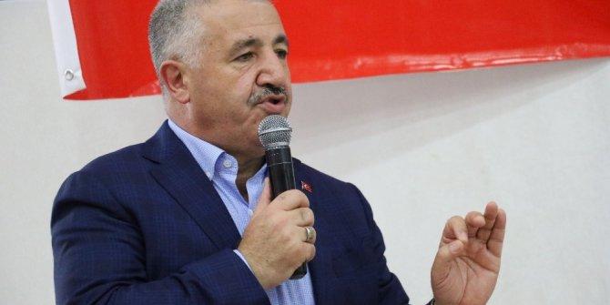"""Bakan Arslan: """"Millete diklenmeden, hizmet ederek desteği arttıracağız"""""""