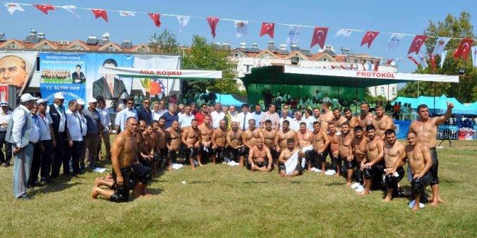 Kemer'de 550 güreşçi er meydanına çıktı