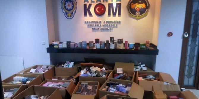 Alanya'da bin 554 kaçak parfüm ele geçirildi