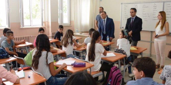 Tunceli'de 8 bin 869 öğrenci ders başı yaptı