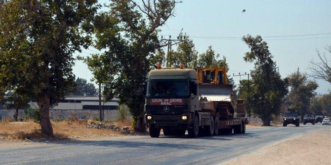 Hatay'ın sınır bölgelerine askeri sevkıyatlar sürüyor