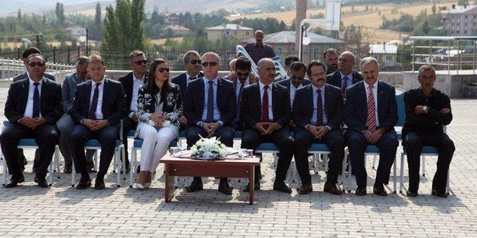 Sivas'ta okullar davul ve zurna ile açıldı