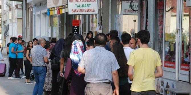 Tokat'ta öğrencilerin 'elektronik kart' kuyruğu