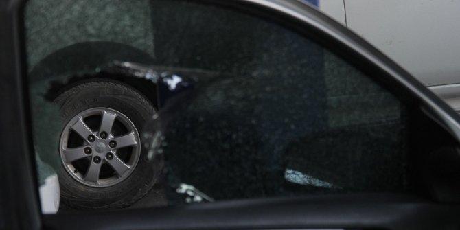 Otomobilin camını kırıp 39 bin lirayı çaldılar