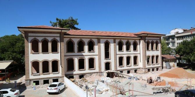 Gazi Mustafa Kemal İlkokulu eski günlerine kavuşuyor