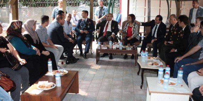 Vali Demirtaş'tan şehit ve gazi derneklerine ziyaret