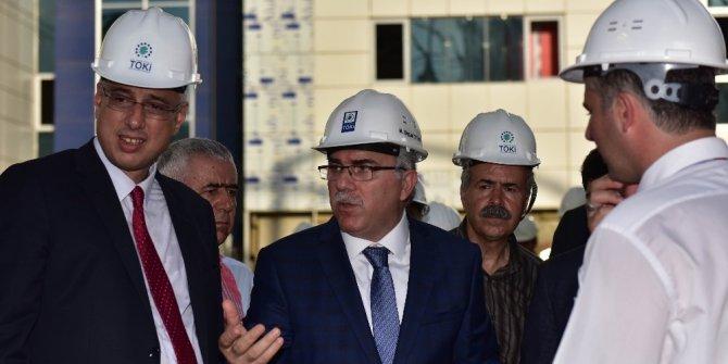 TOKİ Başkanı Ergün, Seyrantepe ve Sultanbeyli hastane inşaatlarını ziyaret etti